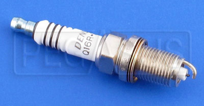 Large photo of Denso Q16RZU11 Platinum Plug for Briggs Animal, Pegasus Part No. ND Q16RZU11